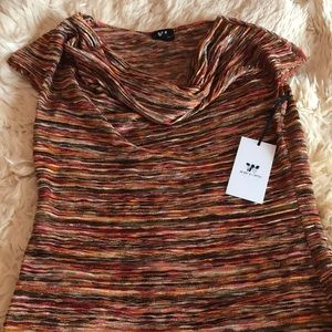 Designer top, very original, metallic colors